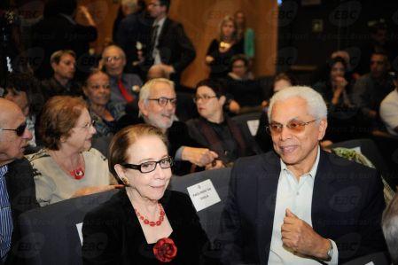 Fernanda Montenegro e Paulinho da Viola na cerimônia na Sala Cecília Meireles em comemoração aos 50 anos do Museu da Imagem e do Som (MIS)(Fernando Frazão/Agência Brasil)